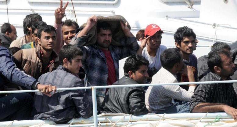 Immigrati a Spoltore: centinaia di cittadini protestano