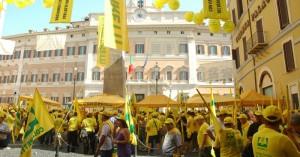 Coldiretti, in centinaia protestano a Montecitorio