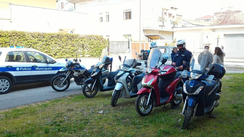 Le moto ritrovate in via Saffi