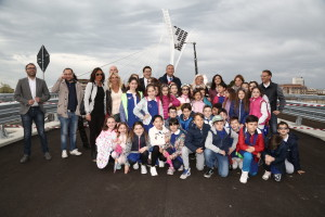 I bambini della scuola Flaiano, in visita al Ponte Nuovo