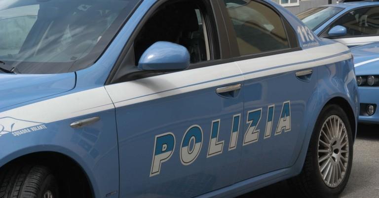 Pescara, nigeriano aggredisce corriere e poliziotto