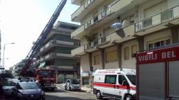 La macchina dei soccorsi in via Raffaello