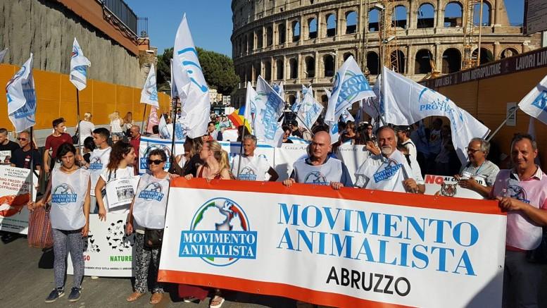 Movimento animalista Abruzzo -Chieti (foto Facebook)