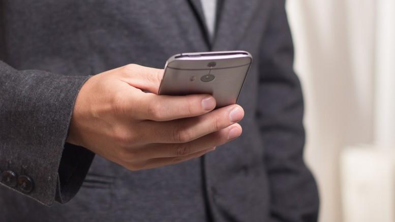 Smartphone, attenzione all'uso smodato