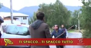 Gli operatori di Striscia La Notizia e l'inviato Edoardo Stoppa aggrediti ad Avezzano