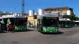 Terminal bus della stazione centrale di Pescara dove tre extracomunitari hanno aggredito un autista della Tua