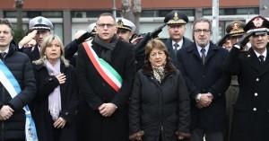 Le autorità presenti alla commemorazione