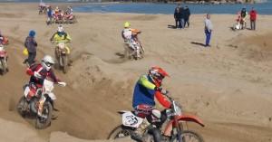 Motocross sulla spiaggia