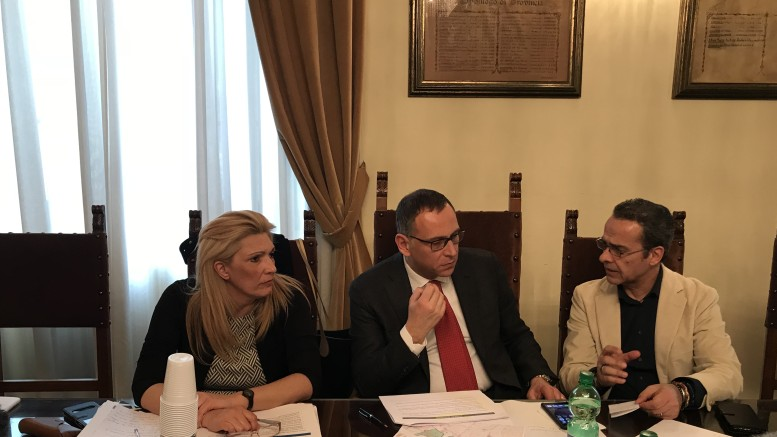 L'assessore Di Carlo insieme con il sindaco Alessandrini