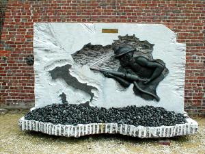 Il monumento agli italiani morti a Marcinelle