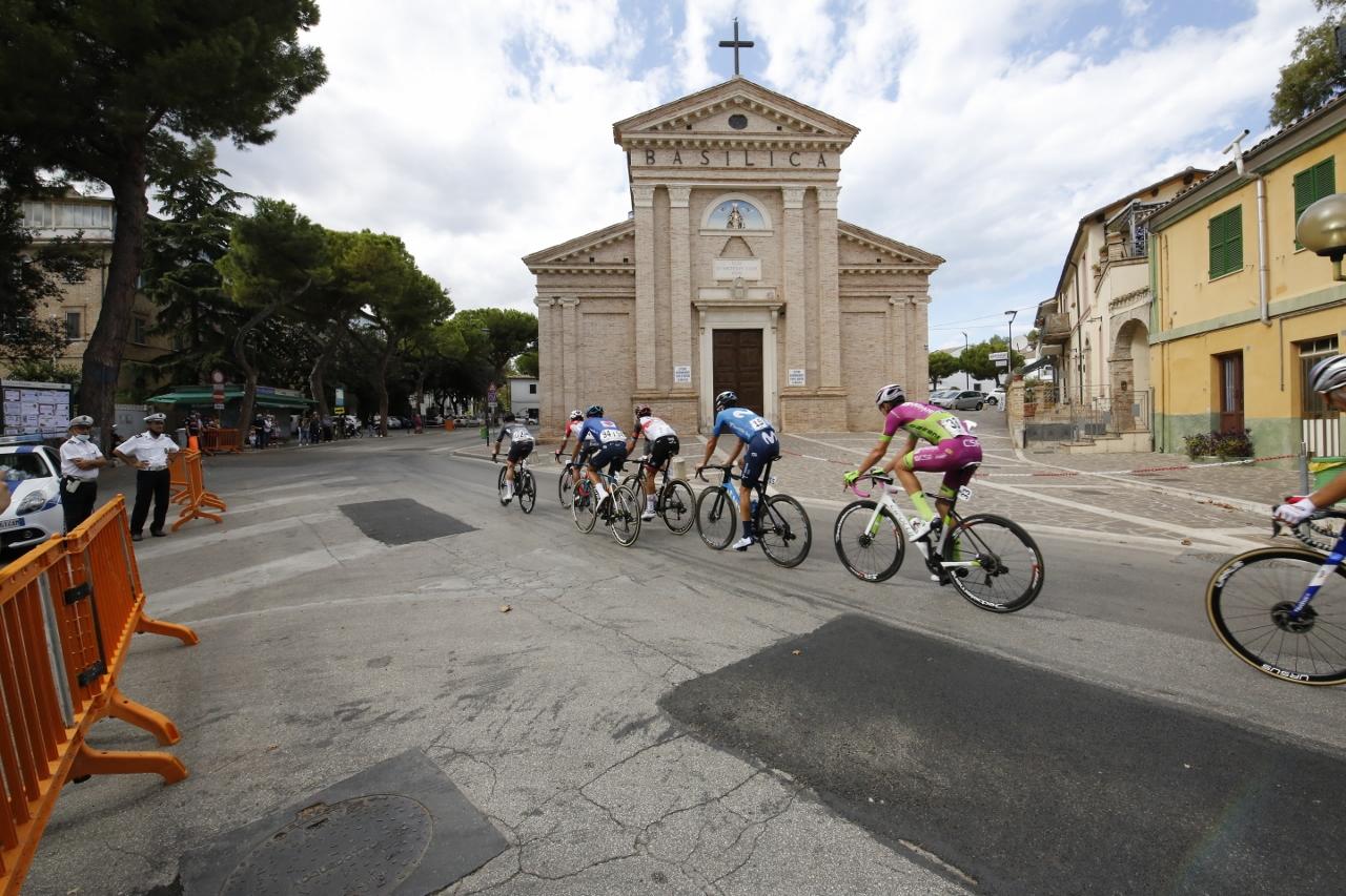 Trofeo Matteotti 19092021 passaggio basilica madonna sette dolori